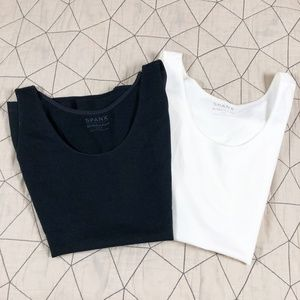Spanx Lot In & Out Tank in Black and White XL